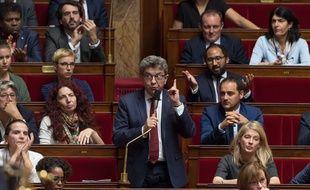 Jean-Luc Mélenchon dénonce à l'Assemblée nationale les opérations de perquisitions qu'il a subies mardi 16 octobre 2018.
