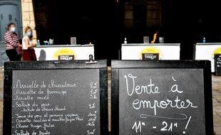 Un restaurant proposant des offres à emporter (illustration)