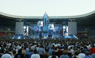 Johnny en concert au Parc des Princes en juin 1993.