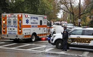 Un tireur a ouvert le feu le 27 octobre dans une synagogue de Pittsburgh, en Pennsylvanie, où les fidèles étaient rassemblés pendant le shabbat, faisant onze morts et six blessés.