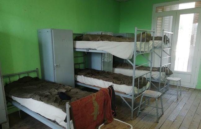 Pas d'eau courante, ni de cuisine, des chambres spartiates...durant leur formation, les réservistes apprennent à vivre dans un environnement rustique.