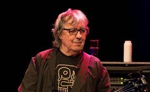Le bassiste Bill Wyman sur la scène du KB Lorensbergsteatern en 2014 en Suède