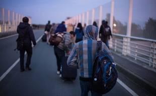 Des mineurs réfugiés à Calais à la veille d'un nouvel exode