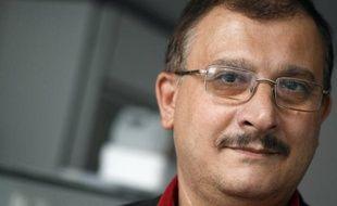 """Le professeur Gilles-Eric Séralini a accusé jeudi l'Agence européenne de sécurité des aliments (Efsa) de """"faute professionnelle grave"""" après le rejet définitif de son étude controversée sur un maïs transgénique et le refus de l'agence de réévaluer ce produit."""