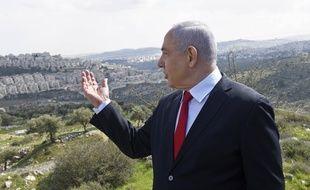 Benjamin Netanyahou, le 20 février 2020, devant le terrain de futures colonies de Har Homa.