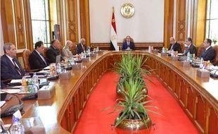 Réunion de crise organisée par le président égyptien Al-Sissi le 20 mai 2016, fournie par l'agence de presse présidentielle.