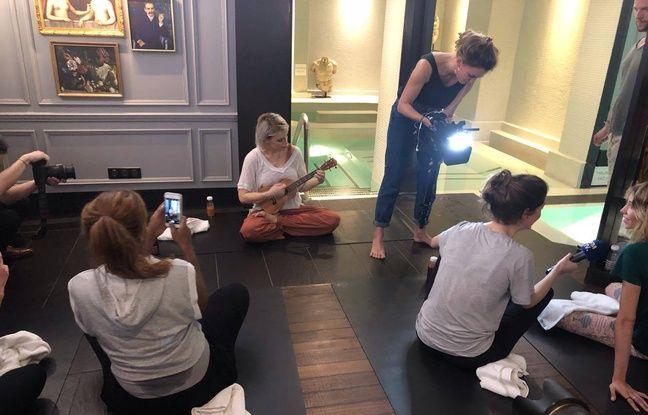 Aria après son cours particulier, et Alexandra Rosenfeld en pleine interview avec BFMTV.