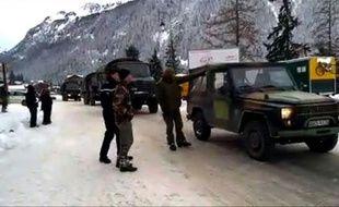 Capture d'écran d'une vidéo du Dauphiné de militaires près de l'endroit ou où cinq légionnaires ont été tués dans une avalanche le 18 janvier 2016 à Valfréjus