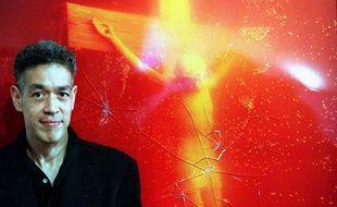 Le «PissChrist» d'Andres Serrano avait déjà été vandalisée à coups de marteau en Australie en 1997