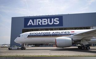 Airbus a dévoilé le premier A350 ultra long range qui sera livré dans quelques mois à Singapour Airlines