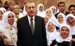 Le Premier ministre islamo-conservateur turc Recep Tayyip Erdogan a affirmé mardi maintenir une visite prévue pour la fin du mois de mai à Gaza, en dépit d'une déclaration du secrétaire d'Etat américain John Kerry demandant le report de ce déplacement.