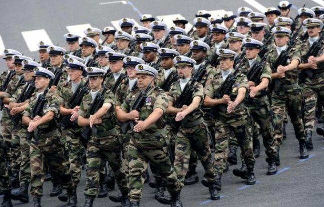 Des militaires français lors du défilé du 14 juillet 2012 à Paris