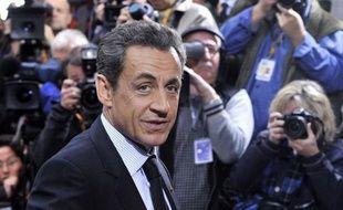Nicolas Sarkozy et François Hollande suscitent un égal scepticisme dans l'opinion quant à leur capacité à réduire la dette et les déficits publics, près de la moitié des Français ne faisant pas plus confiance à l'un qu'à l'autre, selon un sondage Ifop pour le site Atlantico publié jeudi.