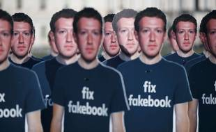 Des silhouettes à l'effigie de Mark Zuckerberg à Washington.