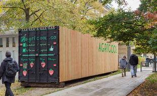 Agricool a l'un de ses contenairs installés dans le parc de Bercy.