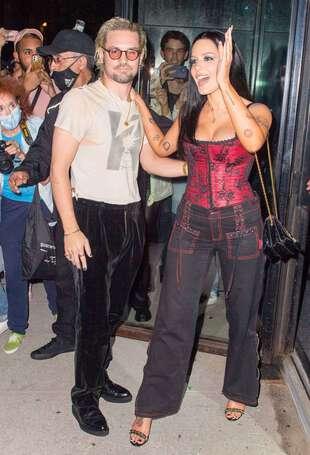 """Halsey et Alev Aydin, le 8 septembre, arrivant à la """"Bella Hadid party"""", à New York."""