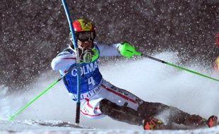 L'Autrichien Marcel Hirscher a dominé le slalom géant de Val d'Isère, s'offrant sa première victoire en Coupe du monde de ski alpin de la saison sur une piste où il avait signé son premier succès il y a trois ans.