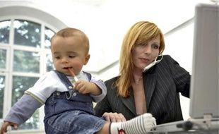 Certains parents optent pour le télétravail pour pallier les difficultés liées aux grèves.