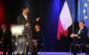 Robert Ménard, lors du meeting de soutien à Sébastien Pacull, ex-responsable des Républicains dans l'Hérault, candidat à Sète.