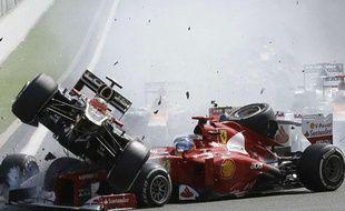 Les voitures de Romain Grosjean et de Fernando Alonso, le 2 septembre 2012 en Belgique.