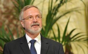 La Commission européenne travaille sur les moyens d'augmenter la capacité de prêts de la Banque européenne d'investissement (BEI) en lui allouant une partie du budget européen, ce qui serait une première, a indiqué vendredi une source au fait des discussions.