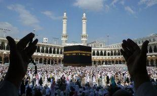 Quelque 1,5 million de musulmans sont arrivés dans les villes saintes de La Mecque et Médine en Arabie saoudite en prévision du grand pèlerinage annuel prévu à la mi-novembre, a-t-on indiqué vendredi de source officielle.
