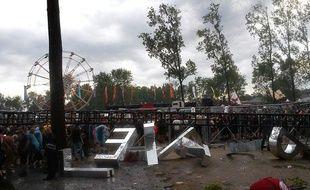 L'effondrement de structures mises en place lors du festival de rock Pukkelpop, à Kiewit, en Belgique, à cause d'une tempête a causé la mort d'au moins deux personnes, jeudi 18 août 2011.