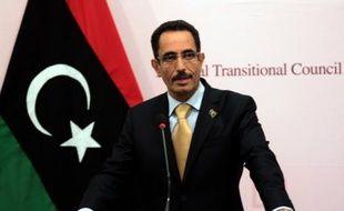 """Le vice-président du Conseil national de transition (CNT), Abdelhafidh Ghoga, a annoncé dimanche sur la chaîne qatarie Al-Jazira qu'il démissionnait """"dans l'intérêt de la nation"""", après des appels à son départ."""