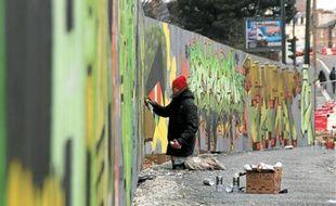 Dix graffeurs ont passé leur week-end à peindre aux abords du chantier de l'ancienne brasserie Kronenbourg.