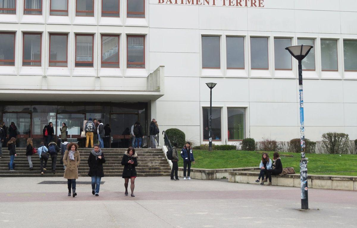 Des étudiants de l'université de Nantes sur le campus du Tertre. – Julie Urbach / 20 Minutes
