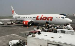Un avion de la compagnie indonésienne, Lion Air, à l'aéroport de Surabaya, en Indonésie, le 12 mai 2012. (Illustration)
