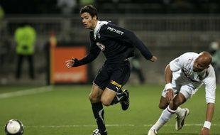 Ici opposé à l'OL de Jean-Alain Boumsong, quelques mois avant de rejoindre Lyon, Yoann Gourcuff pourrait revêtir à nouveau le maillot bordelais.