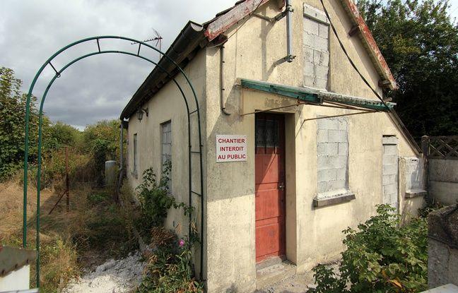 Une maison à l'abandon aux prairies Saint-Martin, à Rennes, où un parc naturel urbain est en cours d'aménagement.