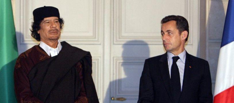 Sarkozy et Kadhafi en décembre 2007