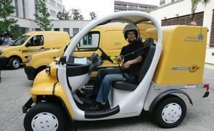 La Poste est l'une des rares entreprises à livrer avec des véhicules électriques.