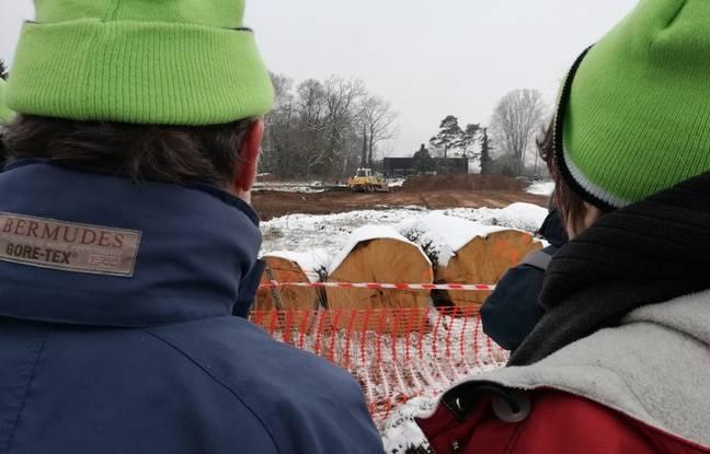 Strasbourg: Malgré le froid, des militants tentent de ralentir le chantier du Grand contournement ouest