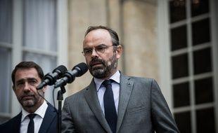 Le Premier ministre Edouard Philippe, accompagné de Christophe Castaner, ministre de l'Intérieur.