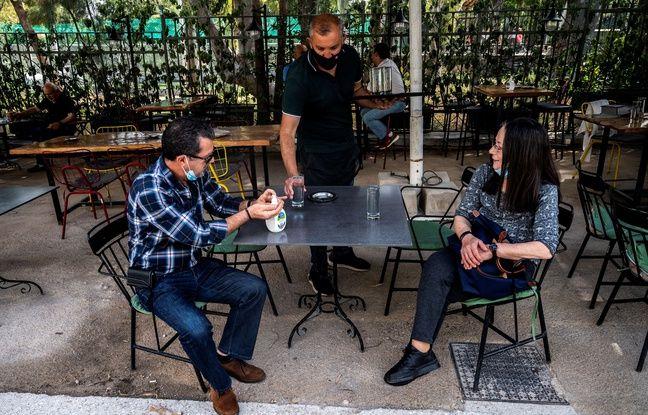 648x415 depuis lundi grecs redecouvrent plaisir savourer cafe terrasse