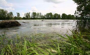 L'eau de la Garonne sera prélevée et analysée pour connaître la teneur en microplastiques.