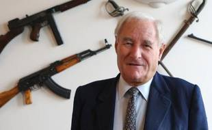 """L'écrivain baroudeur Gérard de Villiers, auteur des sulfureux polars d'espionnage """"SAS"""" écoulés à des dizaines de millions d'exemplaires, est mort jeudi à Paris à l'âge de 83 ans, a-t-on appris vendredi auprès de ses proches."""