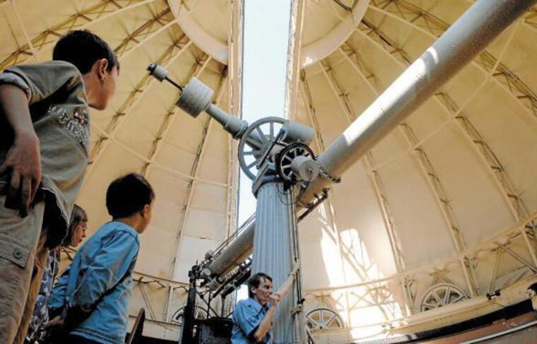 Sur les quelque 25000visiteurs annuels du planétarium, 40% sont des scolaires.