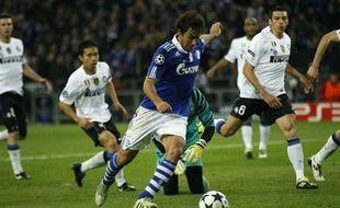 Raul, l'attaquant de Schalke 04, le 4 avril 2011 contre l'Inter Milan, à Gelsenkirchen.