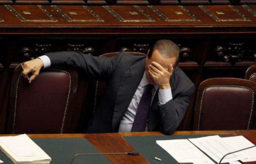 Italie Silvio Berlusconi Joue Son Avenir Devant La Chambre Des