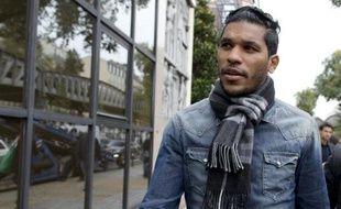 L'attaquant brésilien Brandao à la sortie de la Fédération française de football le 4 novembre 2014 à Paris