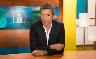 Michel Cymes dans «Le Magazine de la Santé» sur France 5 en 2013.