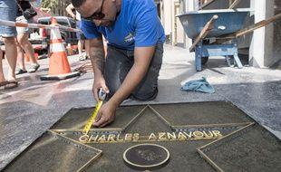 Etoile De Charles Aznavour Mais Comment Obtient On Sa Place