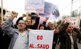 Des Iraniens manifestent le 8 janvier 2016 à Téhéran contre l'exécution par l'Arabie Saoudite du dignitaire chiite saoudien Nimr al-Nimr