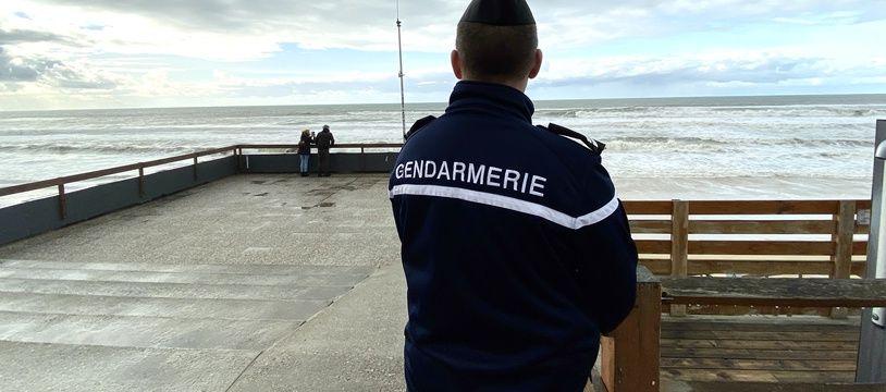 A Lacanau comme sur l'ensemble du littoral girondin, la gendarmerie a dépêché d'importants moyens pour récupérer la drogue échouée.