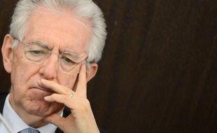 """Le chef du gouvernement italien Mario Monti s'est proposé mercredi à Florence de coaliser les """"bonnes volontés"""" pour que l'Europe mette au point des mesures favorisant une croissance """"compatible"""" avec les engagements de rigueur budgétaire chers à l'Allemagne"""