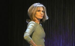 Clémentine Célarié refuse de serrer la main de Florian Philippot sur le plateau d'«On n'est pas couché»